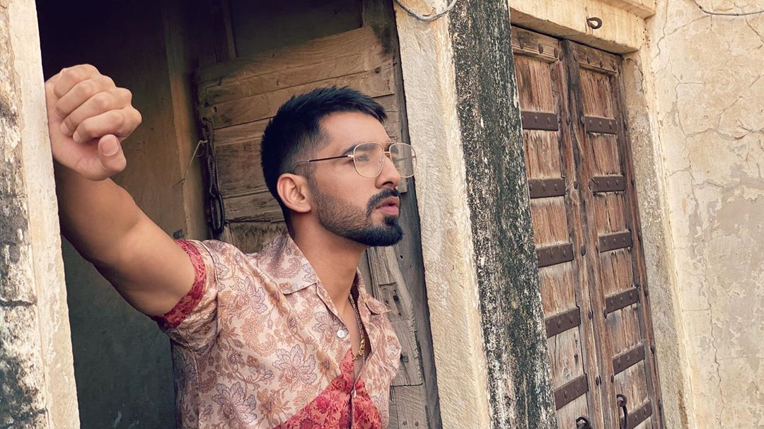 10 Times Maninder Buttar Proved that He is Fashion Goals for Everyone! -  Songs Lyrics Mint
